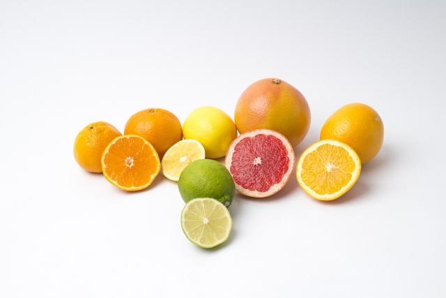 オレンジ、ライム、グレープフルーツ